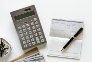 Contracting vs Permanent: The Pros & Cons of Contracting