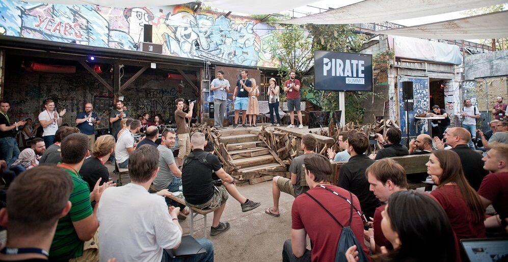Hauptbühne Captain's Deck beim PIRATE Summit - ©Felix Mayr