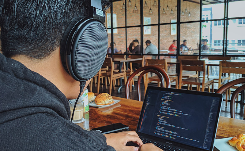 Five IT Podcasts for learning in 2021